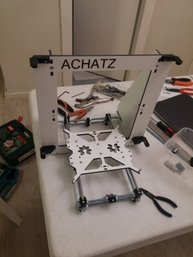 basic frame with Y axis and base plate + some plastic parts
